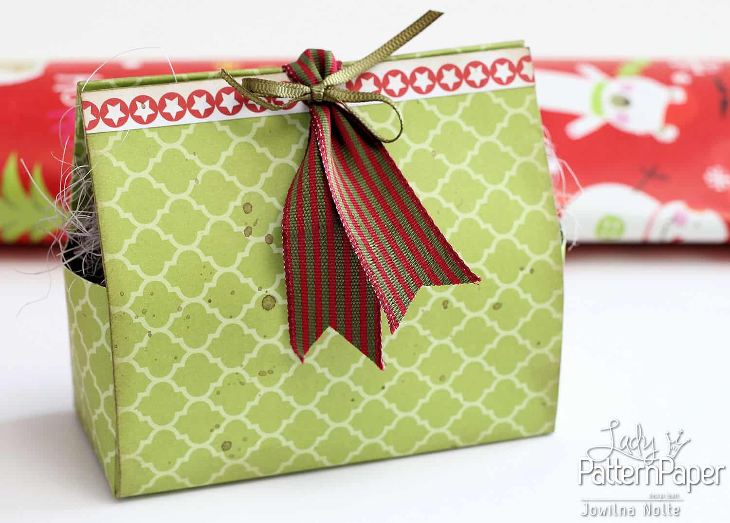 DIY Christmas Gift Boxes - Green Chartruese