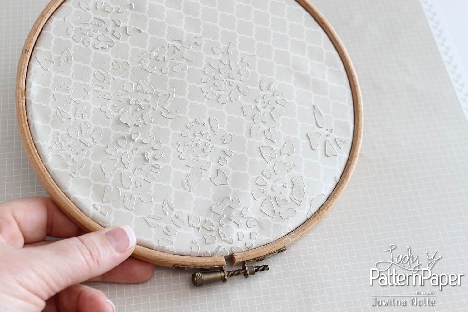 Making A Framed Paper Hoop - Step 7